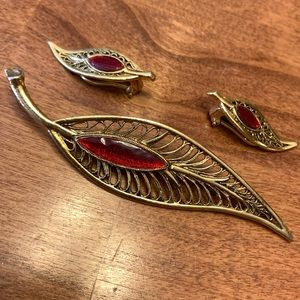 Vintage feather broach and earring set